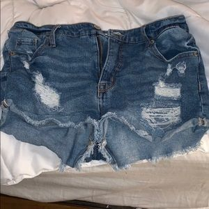 Women's High rises ripped jean shorts
